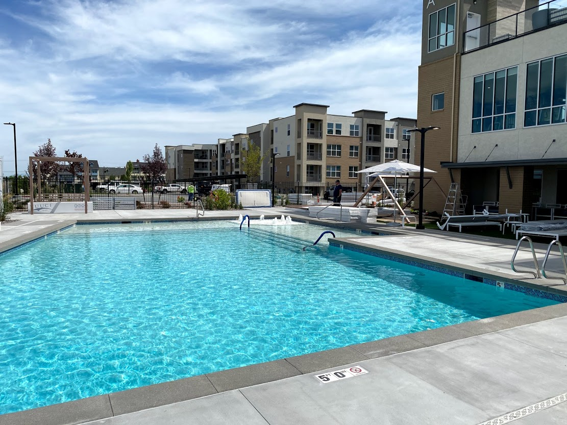 commercial pool contractor 2