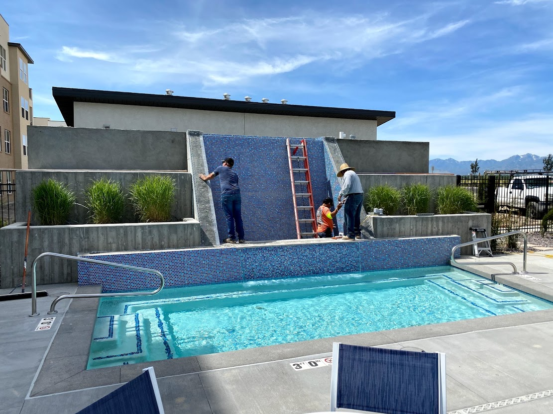 commercial pool fountain feature